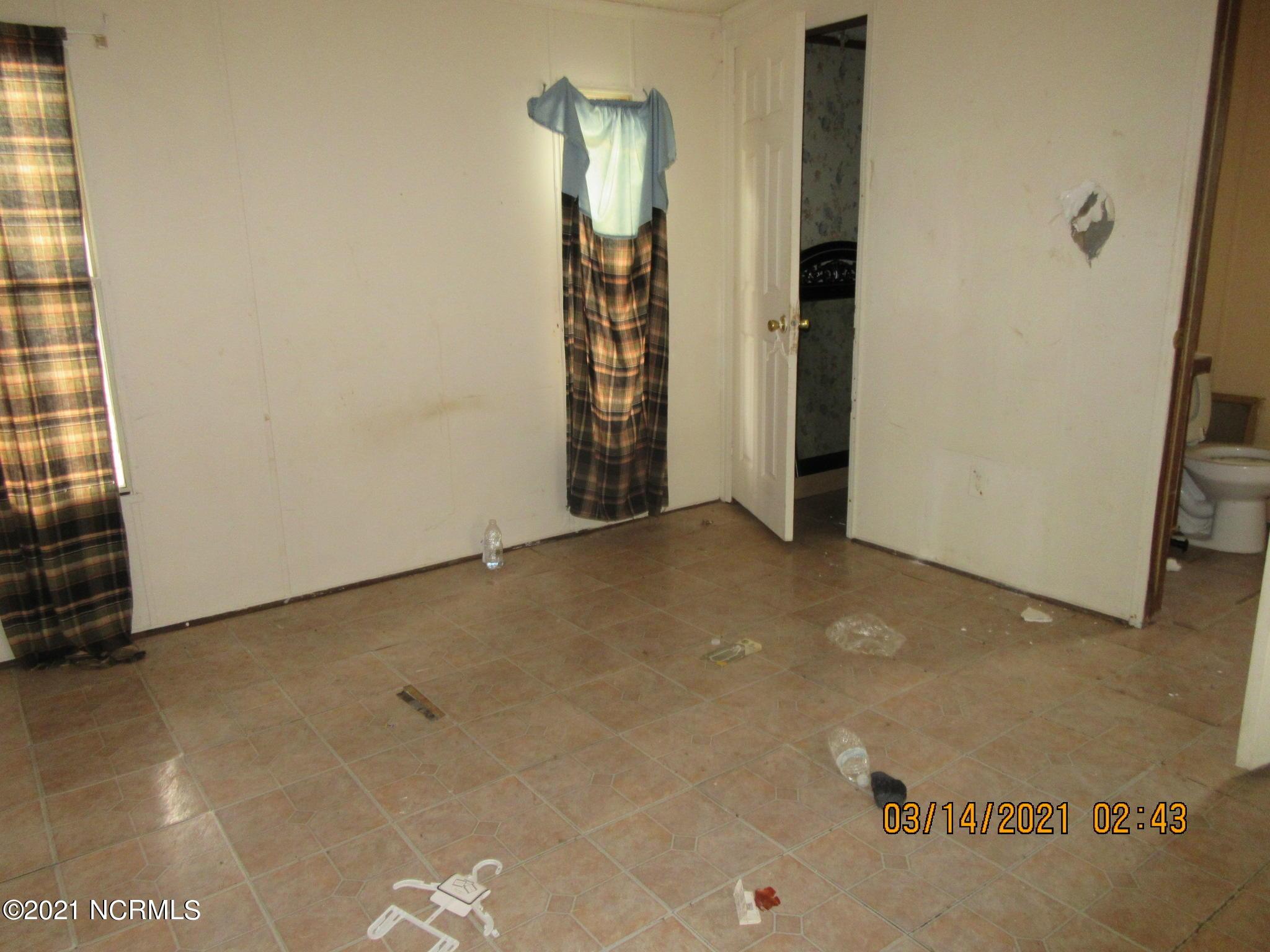 4832 Community Drive, Rocky Mount, North Carolina 27804, 3 Bedrooms Bedrooms, 5 Rooms Rooms,2 BathroomsBathrooms,Manufactured home,For sale,Community,100261818