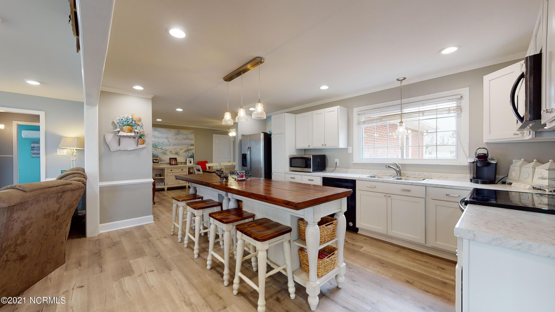 1625 Live Oak Street, Beaufort, North Carolina 28516, 3 Bedrooms Bedrooms, 11 Rooms Rooms,2 BathroomsBathrooms,Single family residence,For sale,Live Oak,100262242
