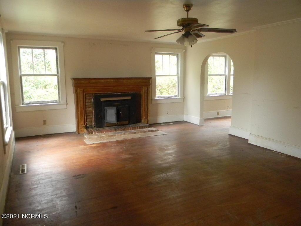 601 Walker Street, Burgaw, North Carolina 28425, 3 Bedrooms Bedrooms, 4 Rooms Rooms,1 BathroomBathrooms,Single family residence,For sale,Walker,100262439