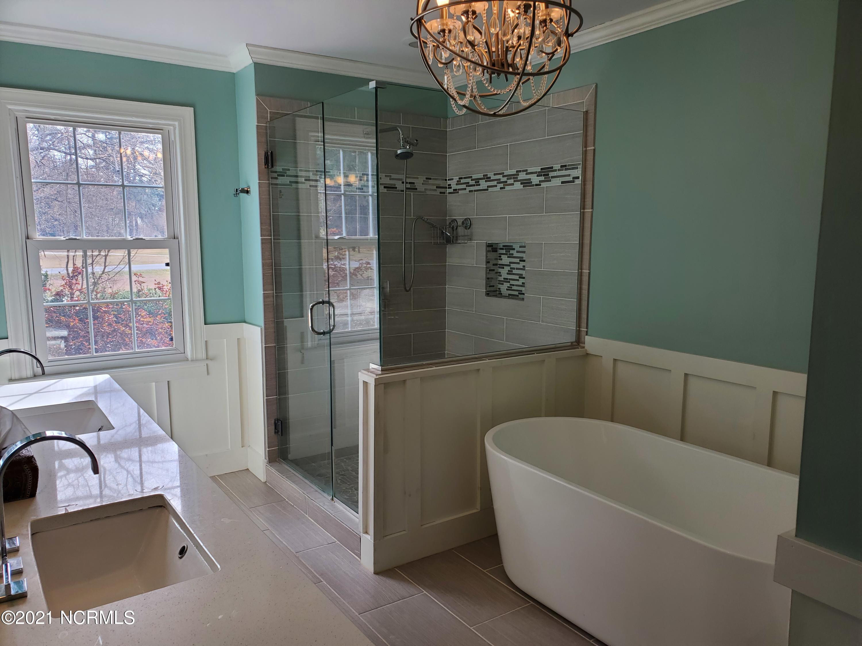101 Arrowhead Drive, Clinton, North Carolina 28328, 3 Bedrooms Bedrooms, 10 Rooms Rooms,2 BathroomsBathrooms,Single family residence,For sale,Arrowhead,100262986