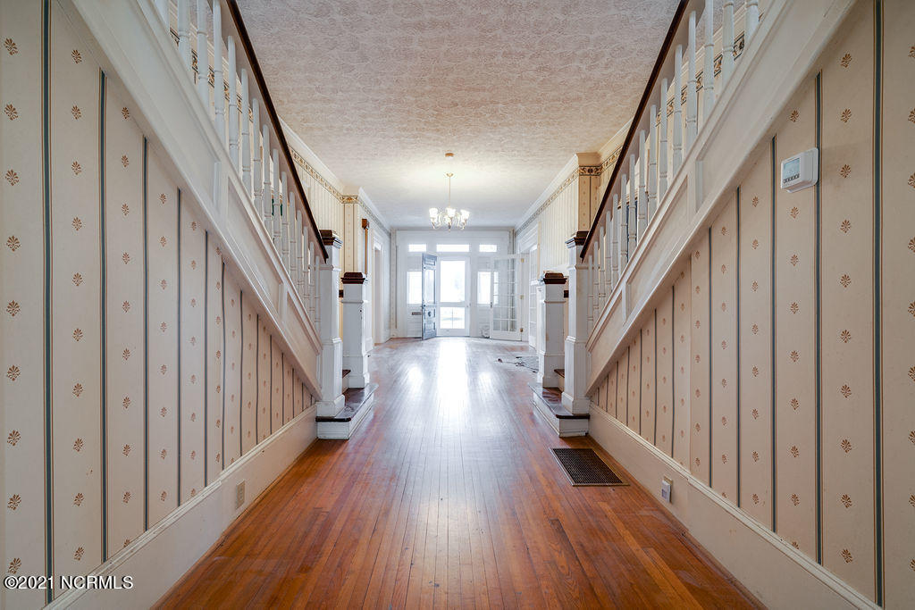 209 Hill Street, Warsaw, North Carolina 28398, 5 Bedrooms Bedrooms, 9 Rooms Rooms,4 BathroomsBathrooms,Single family residence,For sale,Hill,100263371