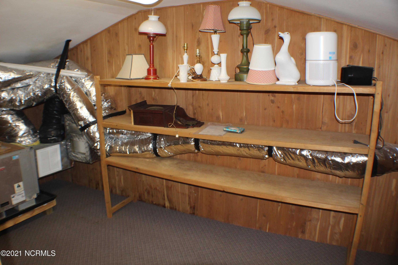 1502 Shackleford Street, Morehead City, North Carolina 28557, 3 Bedrooms Bedrooms, 10 Rooms Rooms,3 BathroomsBathrooms,Single family residence,For sale,Shackleford,100263229