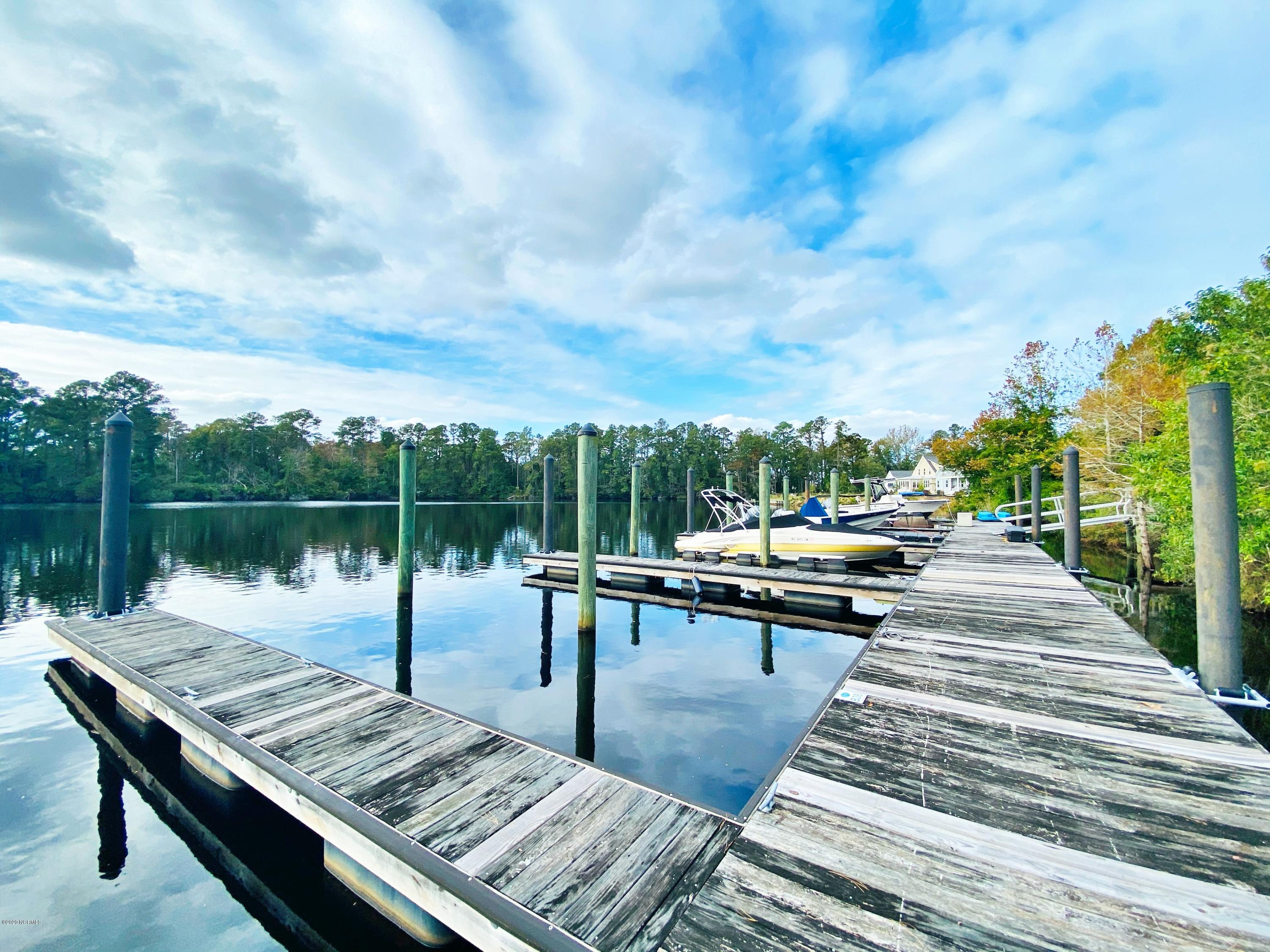 200 Shoreview Drive, New Bern, North Carolina 28562, ,Residential land,For sale,Shoreview,100263972