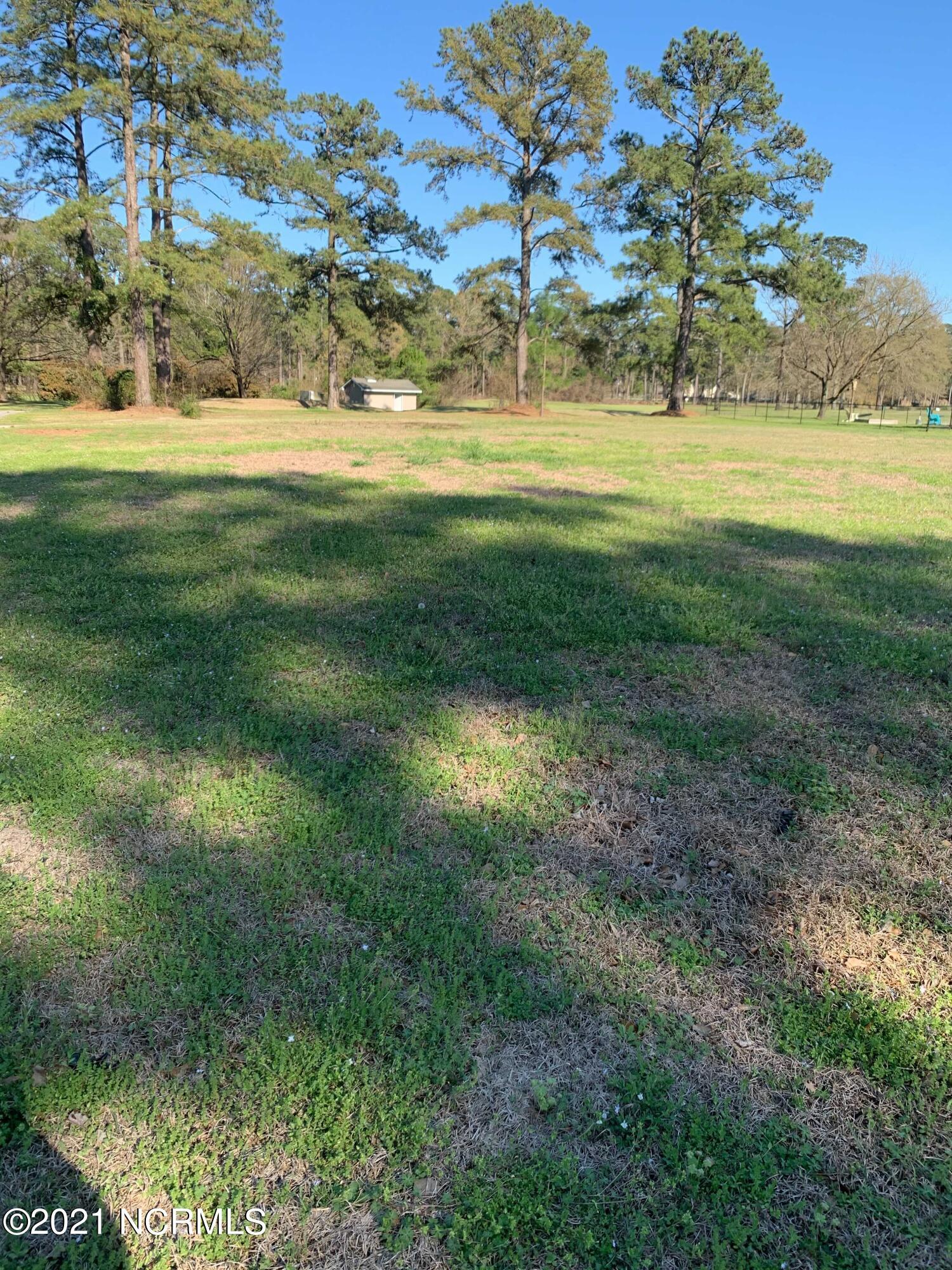 74 Shoreline Drive, New Bern, North Carolina 28562, ,Residential land,For sale,Shoreline,100263838