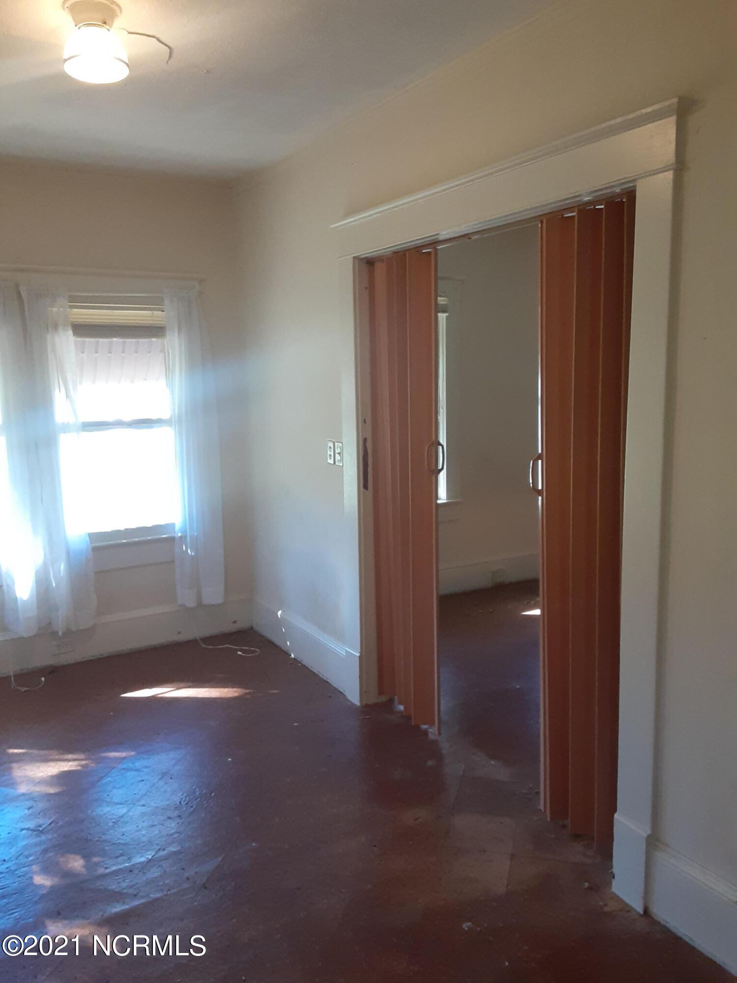 315 Myrtle Avenue, Hamlet, North Carolina 28345, 3 Bedrooms Bedrooms, 6 Rooms Rooms,1 BathroomBathrooms,Single family residence,For sale,Myrtle,100263167
