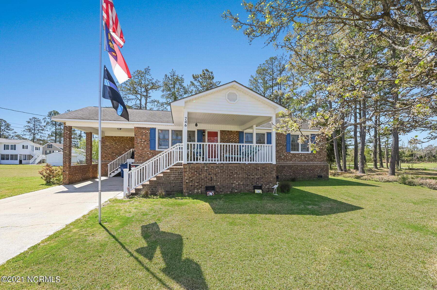 746 Heber Street, Belhaven, North Carolina 27810, 2 Bedrooms Bedrooms, 6 Rooms Rooms,1 BathroomBathrooms,Single family residence,For sale,Heber,100263914