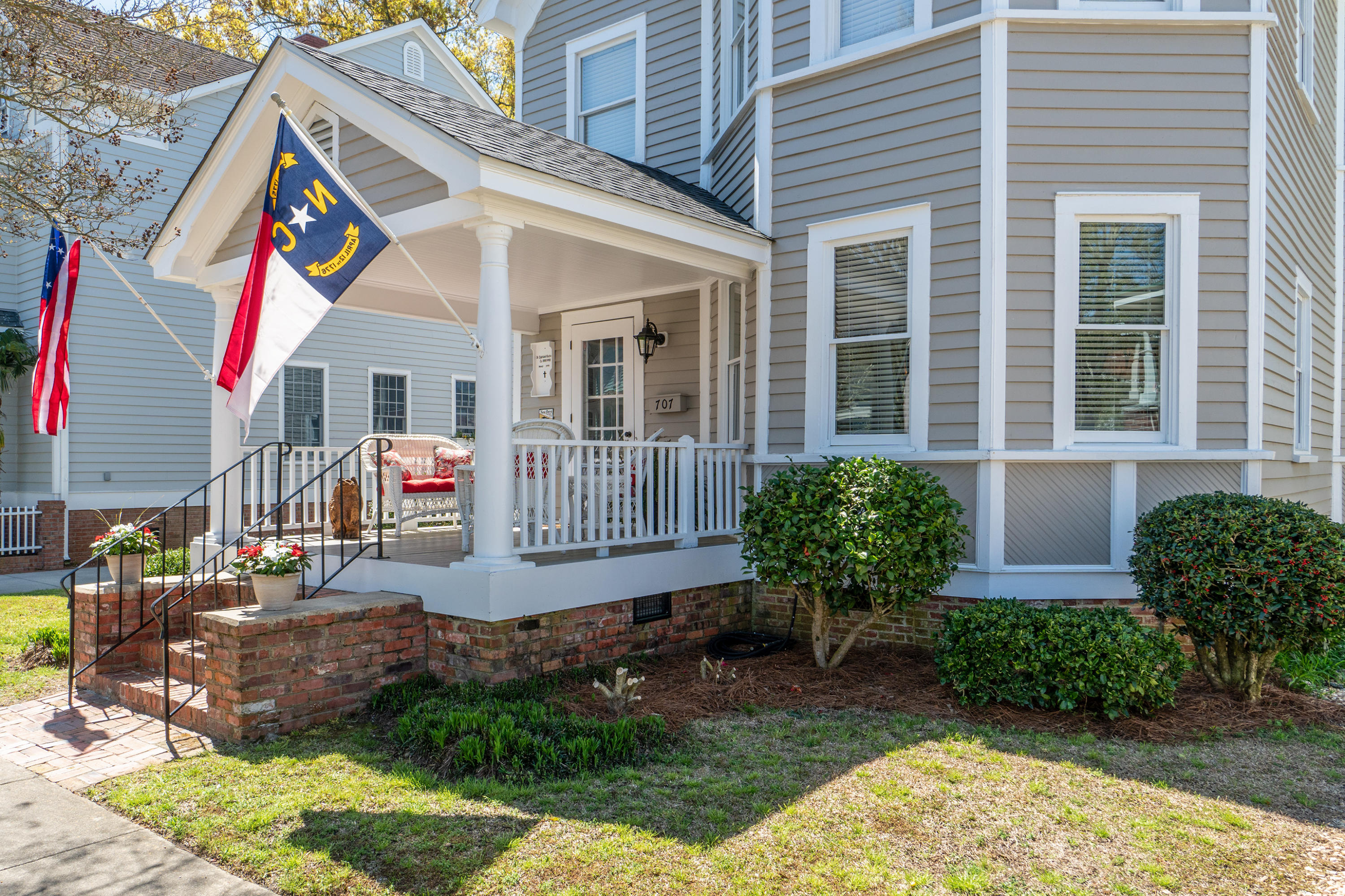 707 Front Street, New Bern, North Carolina 28560, 3 Bedrooms Bedrooms, 9 Rooms Rooms,2 BathroomsBathrooms,Single family residence,For sale,Front,100264185