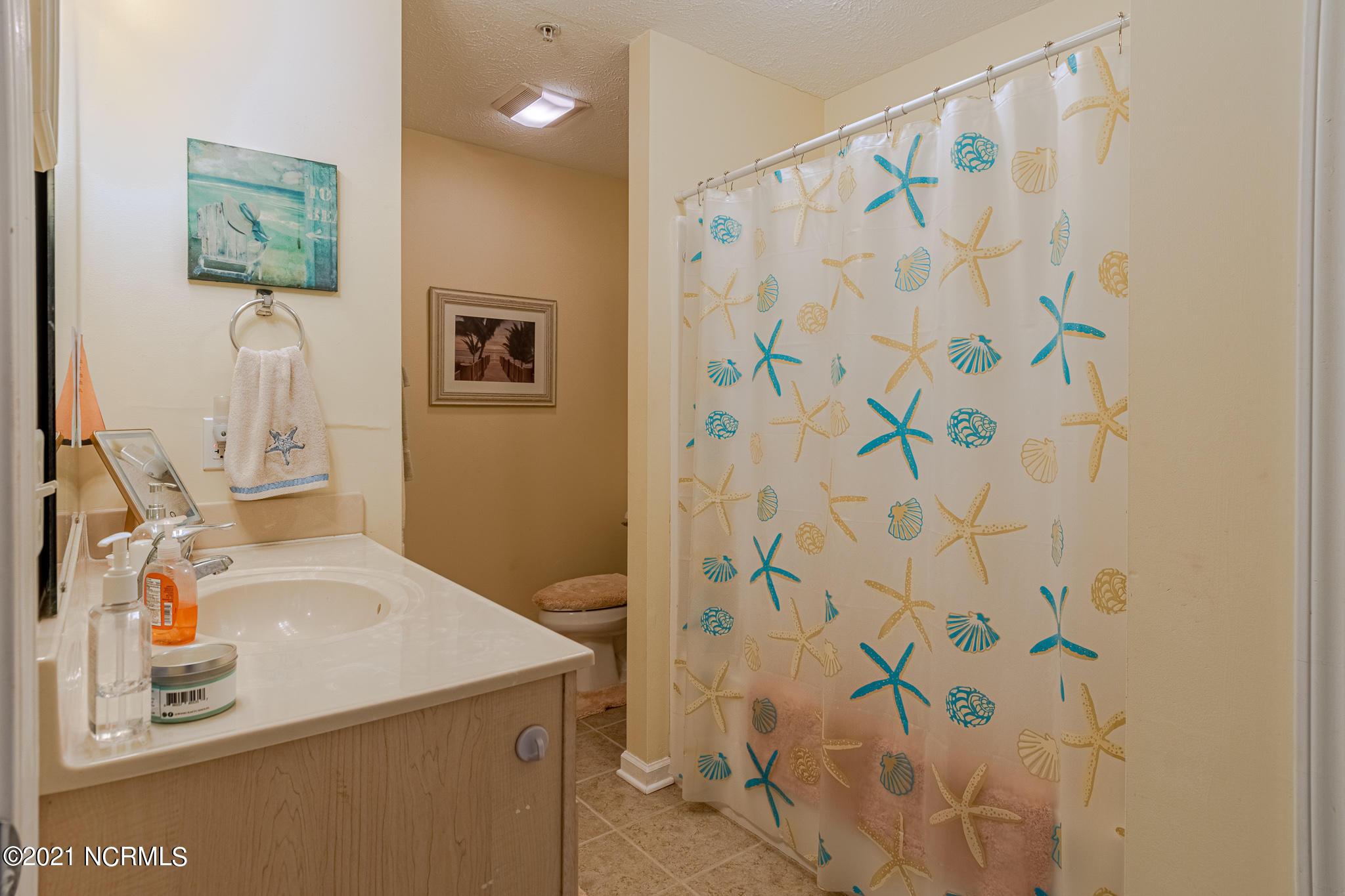 609 Spencer Farlow Drive, Carolina Beach, North Carolina 28428, 2 Bedrooms Bedrooms, 4 Rooms Rooms,2 BathroomsBathrooms,Condominium,For sale,Spencer Farlow,100264368