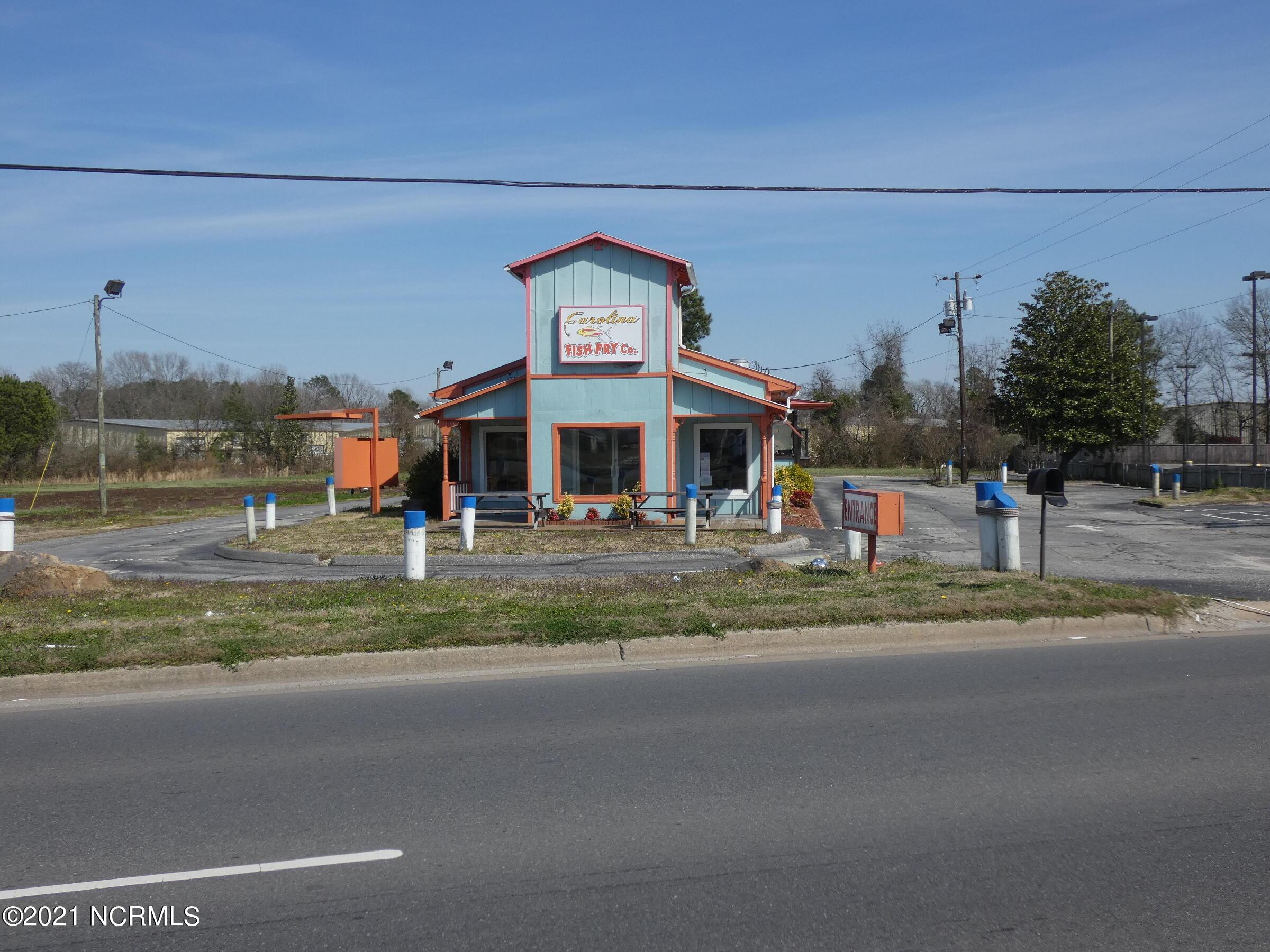 125 Southeast Boulevard, Clinton, North Carolina 28328, ,For sale,Southeast,100264279