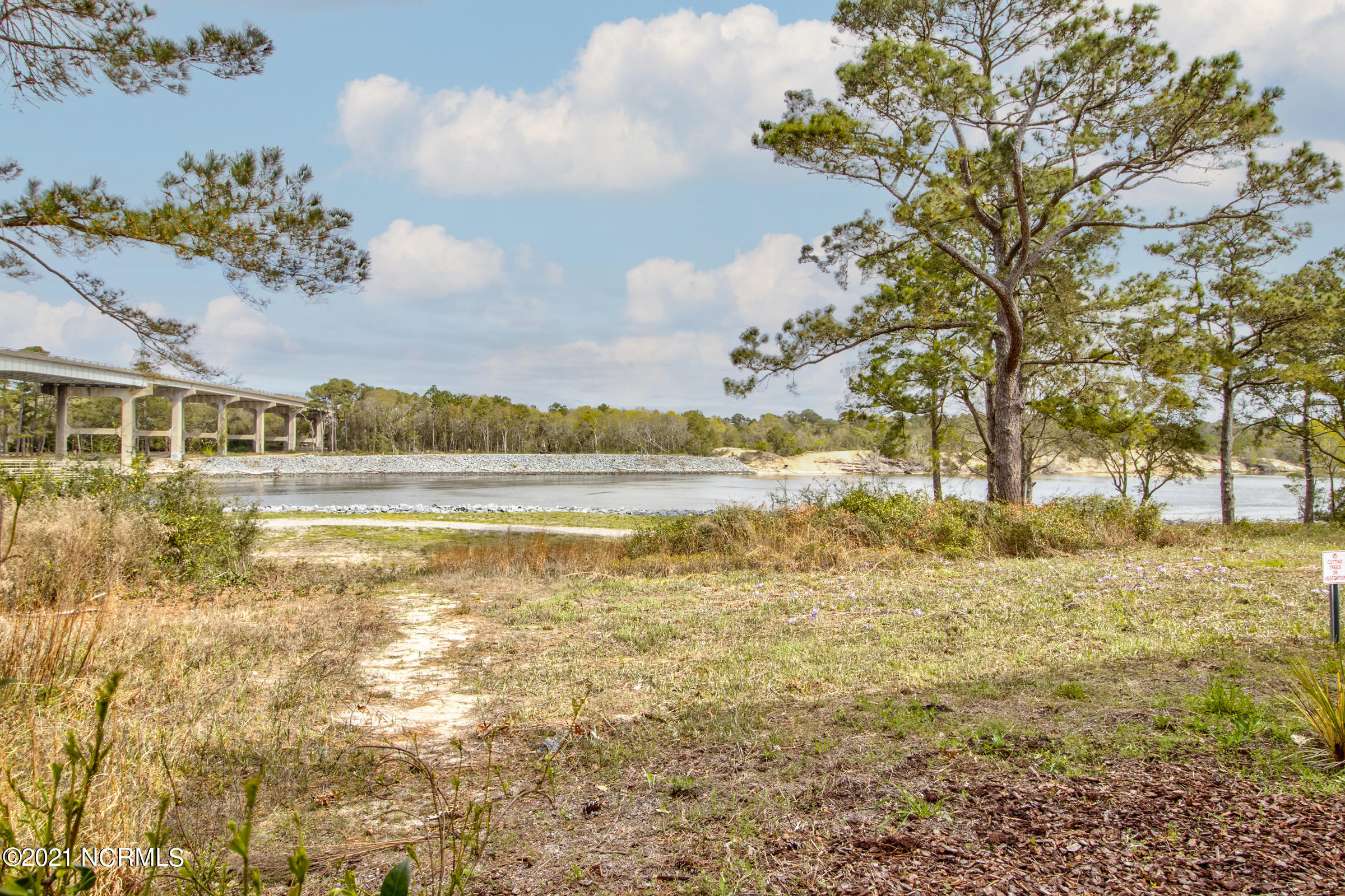 518 Spencer Farlow Drive, Carolina Beach, North Carolina 28428, 3 Bedrooms Bedrooms, 7 Rooms Rooms,4 BathroomsBathrooms,Townhouse,For sale,Spencer Farlow,100264483