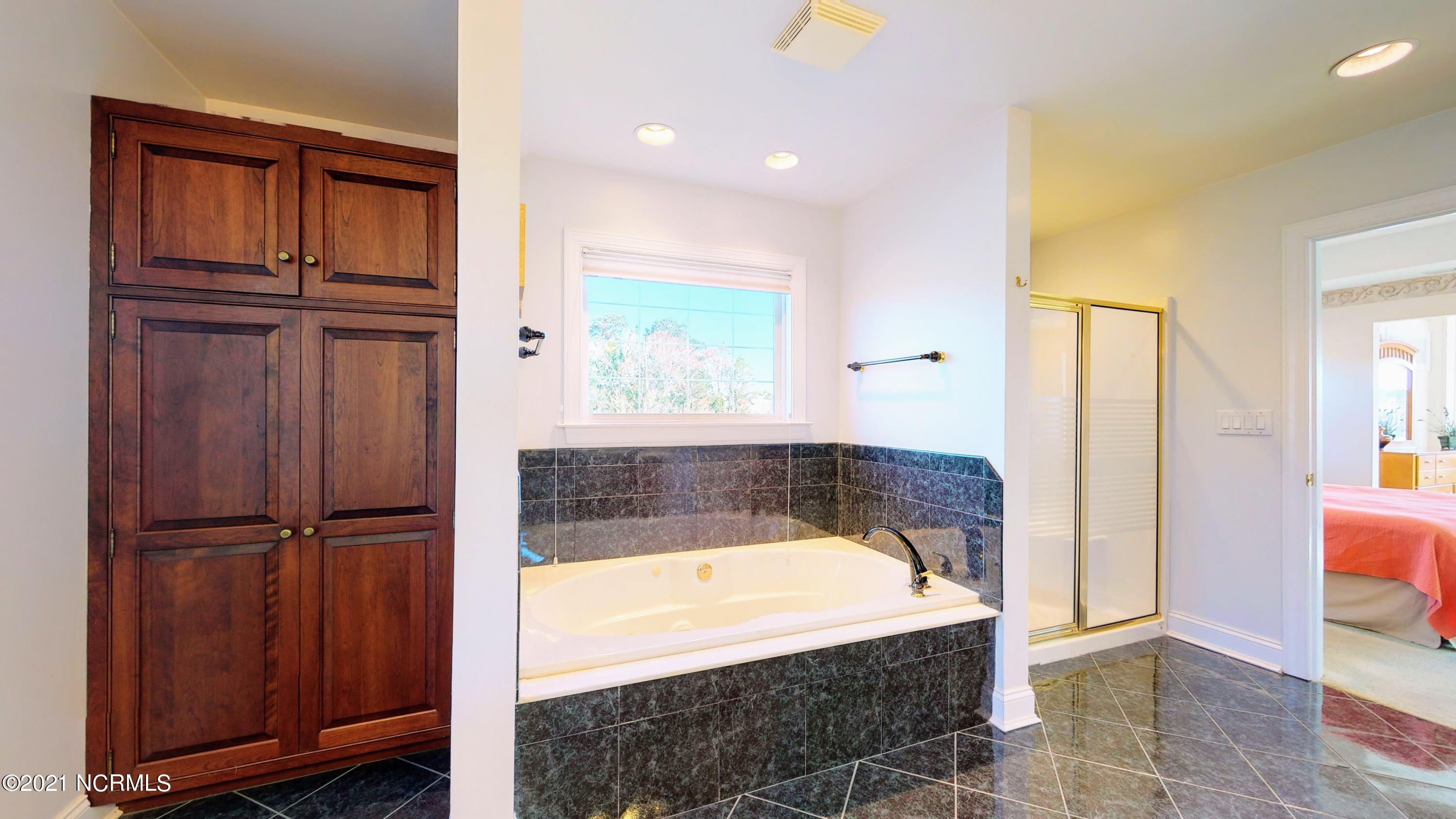 4457 Midshipman Court, Southport, North Carolina 28461, 4 Bedrooms Bedrooms, 9 Rooms Rooms,3 BathroomsBathrooms,Single family residence,For sale,Midshipman,100262276
