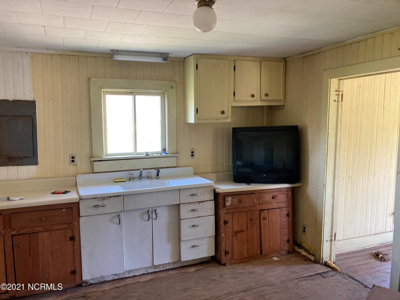 574 Main Street, Belhaven, North Carolina 27810, 2 Bedrooms Bedrooms, 5 Rooms Rooms,1 BathroomBathrooms,Single family residence,For sale,Main,100264294