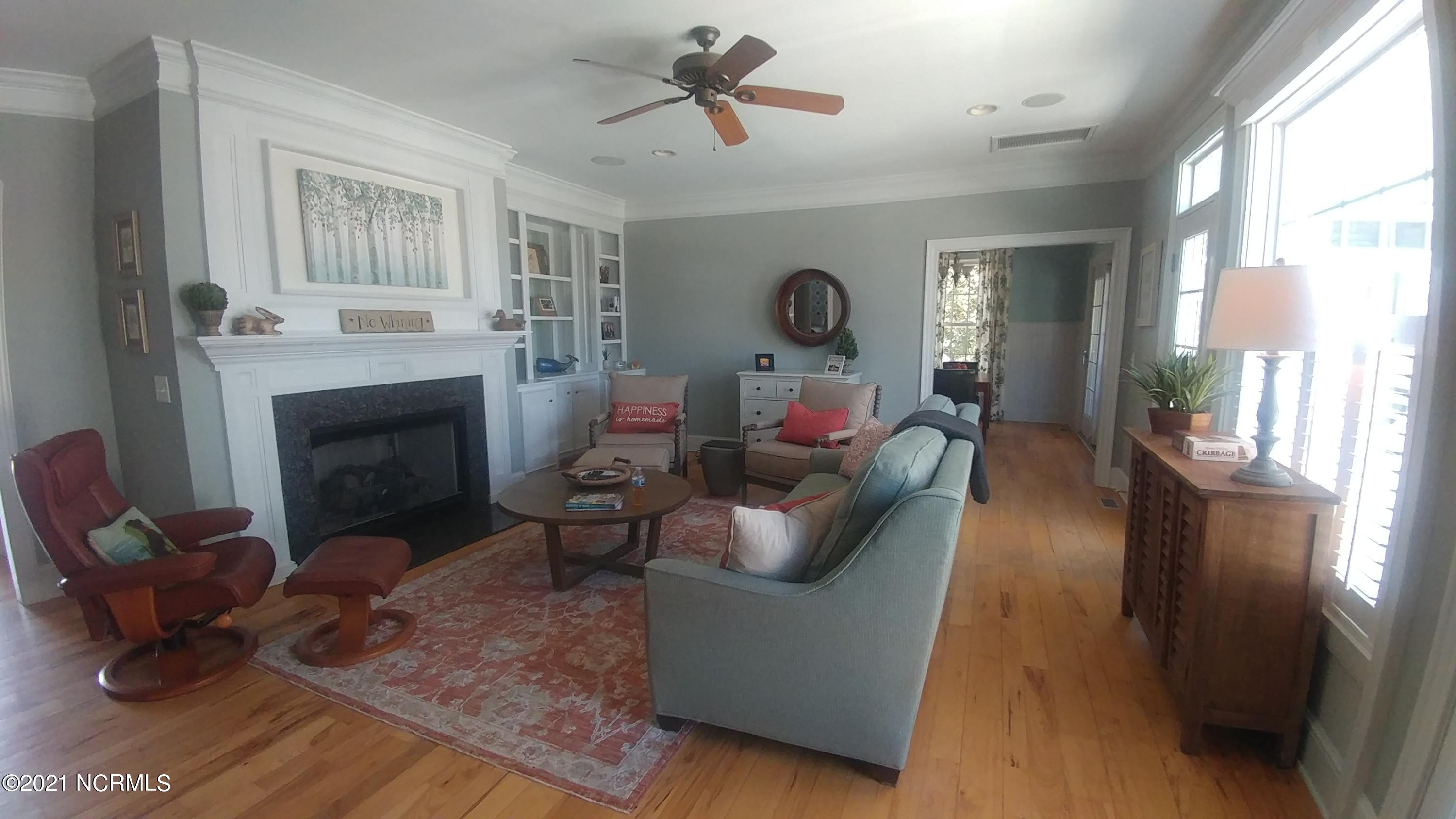 10248 Mariners Cove Court, Belville, North Carolina 28451, 4 Bedrooms Bedrooms, 10 Rooms Rooms,3 BathroomsBathrooms,Single family residence,For sale,Mariners Cove,100264408