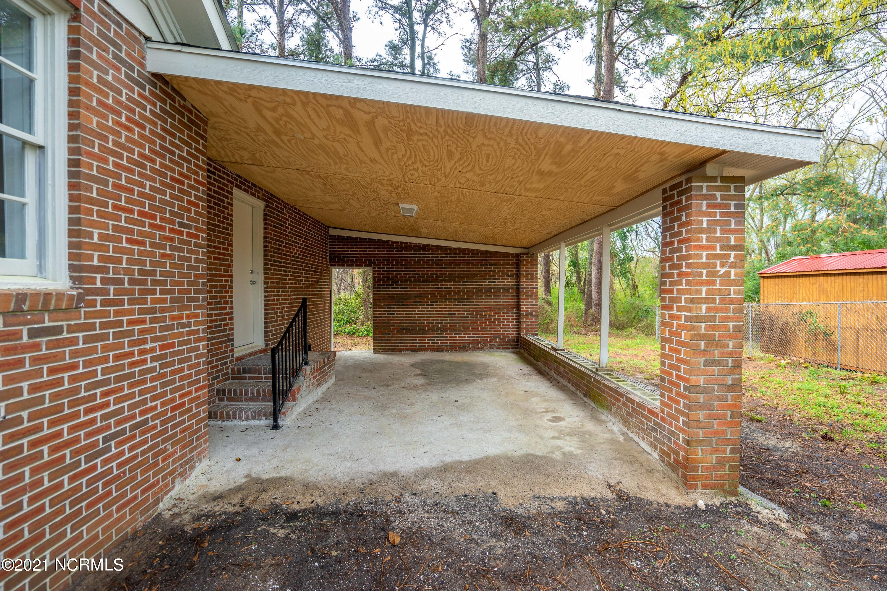 120 Moore Street, Kenansville, North Carolina 28349, 4 Bedrooms Bedrooms, 8 Rooms Rooms,2 BathroomsBathrooms,Single family residence,For sale,Moore,100264792