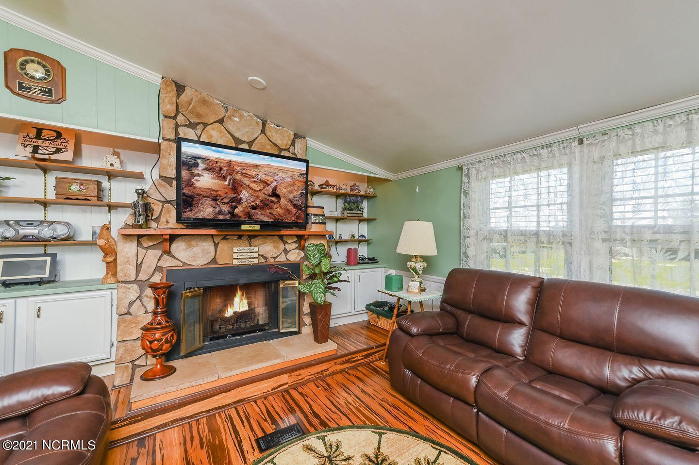 15 D Drive, Chocowinity, North Carolina 27817, 3 Bedrooms Bedrooms, 5 Rooms Rooms,2 BathroomsBathrooms,Manufactured home,For sale,D,100265001