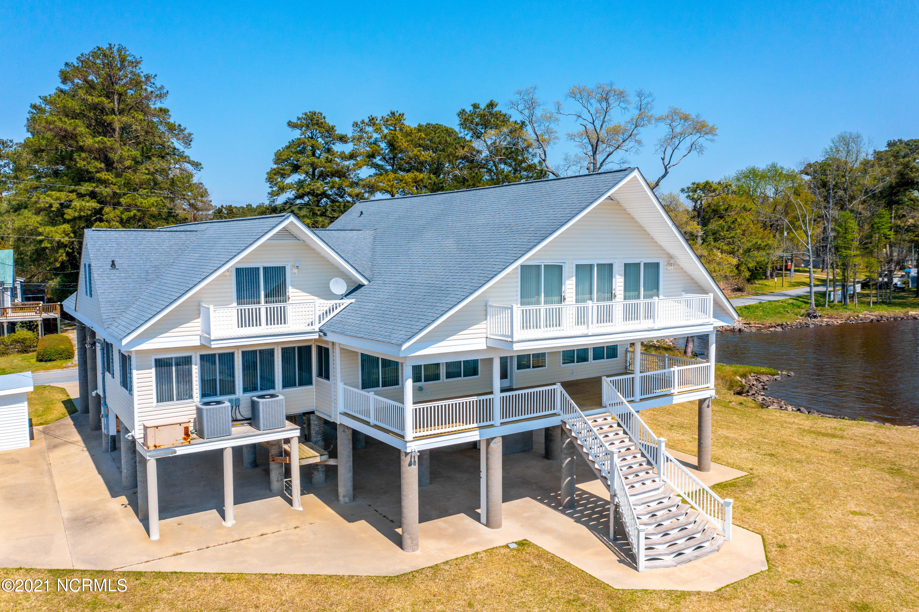 1491 Bayview Road, Bath, North Carolina 27808, 5 Bedrooms Bedrooms, 9 Rooms Rooms,3 BathroomsBathrooms,Single family residence,For sale,Bayview,100265116