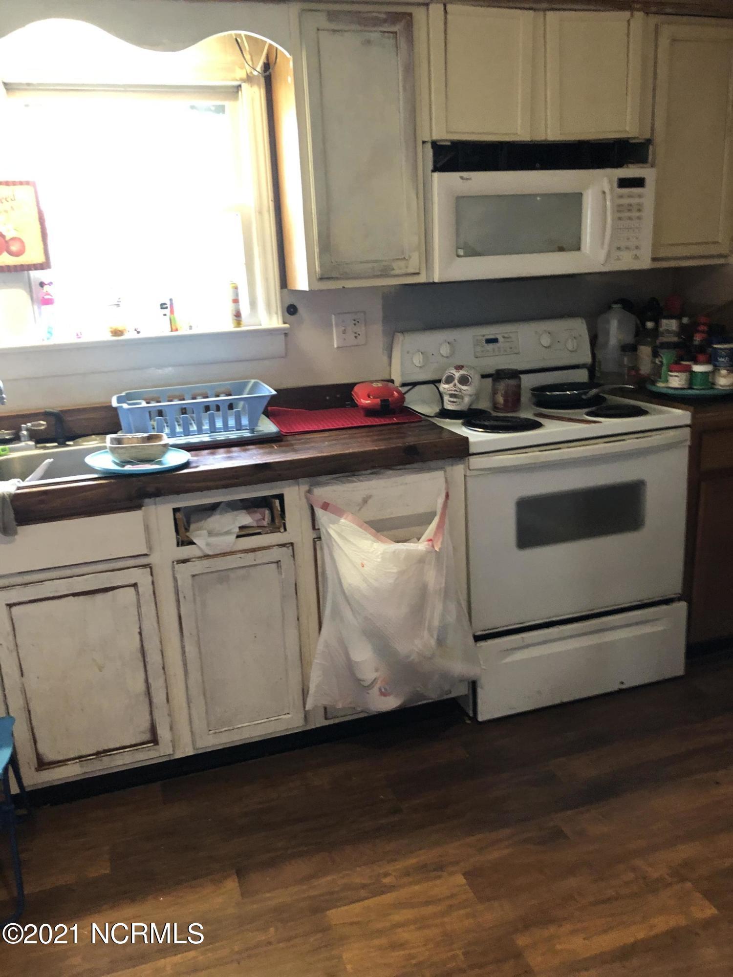 1770 Old Washington Road, Vanceboro, North Carolina 28586, 3 Bedrooms Bedrooms, 9 Rooms Rooms,2 BathroomsBathrooms,Single family residence,For sale,Old Washington,100266887