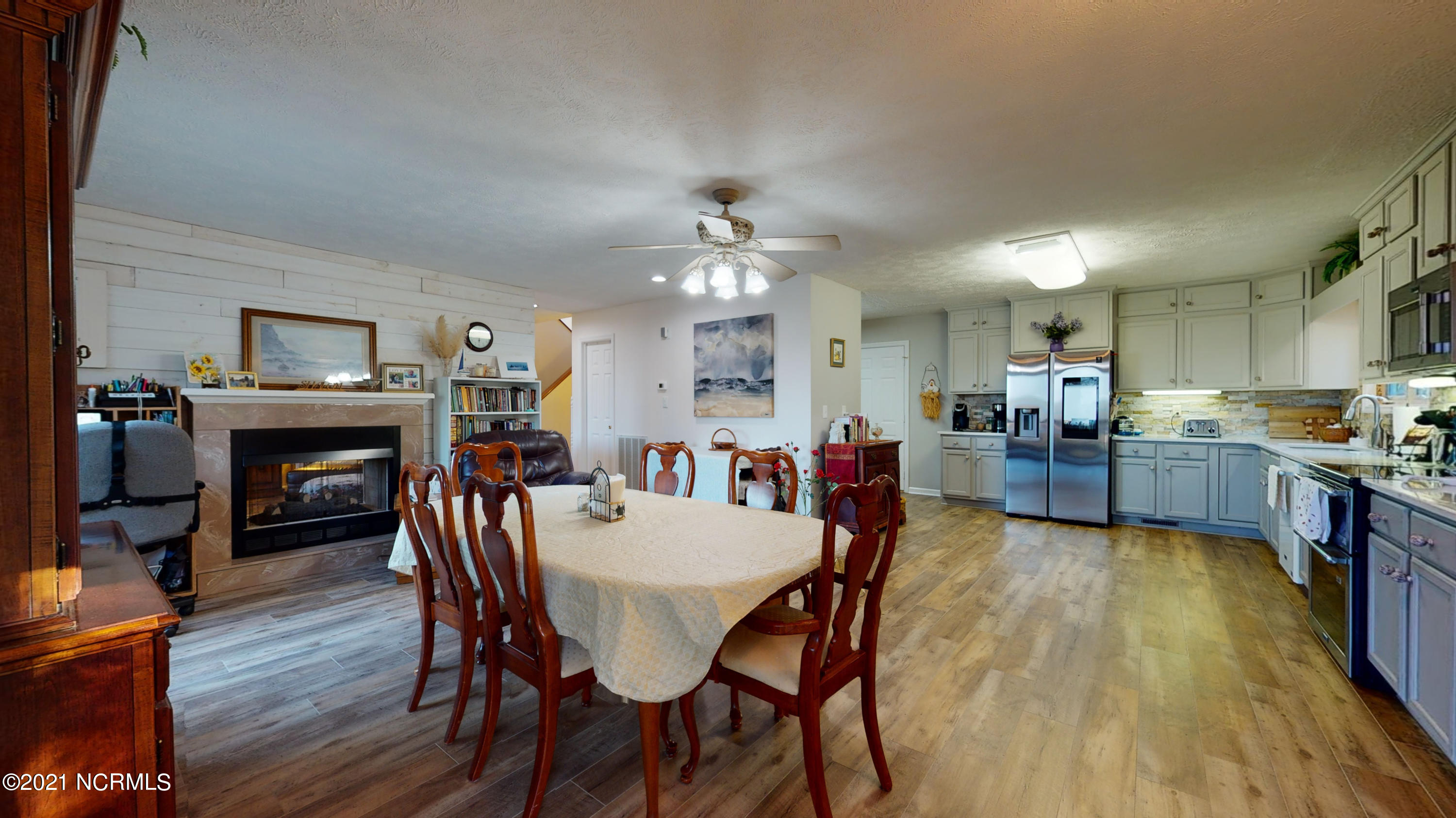252 River Reach Drive, Swansboro, North Carolina 28584, 4 Bedrooms Bedrooms, 8 Rooms Rooms,2 BathroomsBathrooms,Single family residence,For sale,River Reach,100260315
