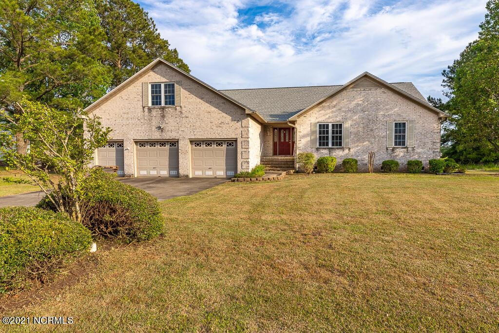 1305 Barkentine Drive, New Bern, North Carolina 28560, 3 Bedrooms Bedrooms, 6 Rooms Rooms,2 BathroomsBathrooms,Single family residence,For sale,Barkentine,100268525
