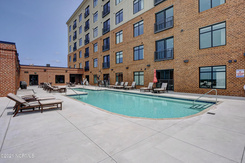 240 Water Street, Wilmington, North Carolina 28401, 1 Bedroom Bedrooms, 5 Rooms Rooms,1 BathroomBathrooms,Condominium,For sale,Water,100262769