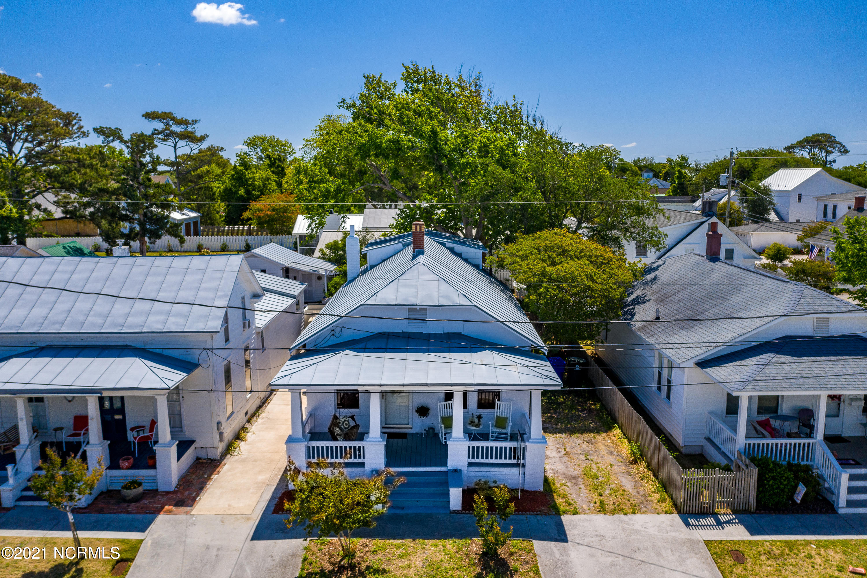 202 Gordon Street, Beaufort, North Carolina 28516, 2 Bedrooms Bedrooms, 6 Rooms Rooms,1 BathroomBathrooms,Single family residence,For sale,Gordon,100263203