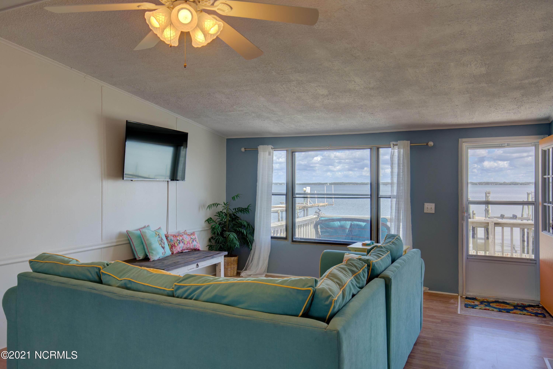 1072 Salter Path, Salter Path, North Carolina 28512, 3 Bedrooms Bedrooms, 5 Rooms Rooms,2 BathroomsBathrooms,Manufactured home,For sale,Salter Path,100275024