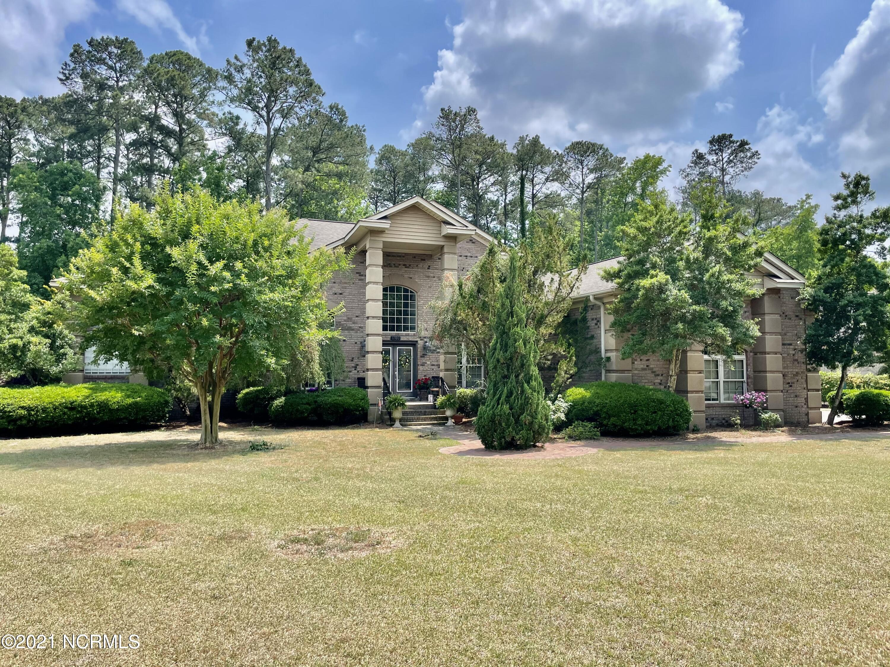 1702 Bloomsbury Road, Greenville, North Carolina 27858, 4 Bedrooms Bedrooms, 12 Rooms Rooms,3 BathroomsBathrooms,Single family residence,For sale,Bloomsbury,100273284
