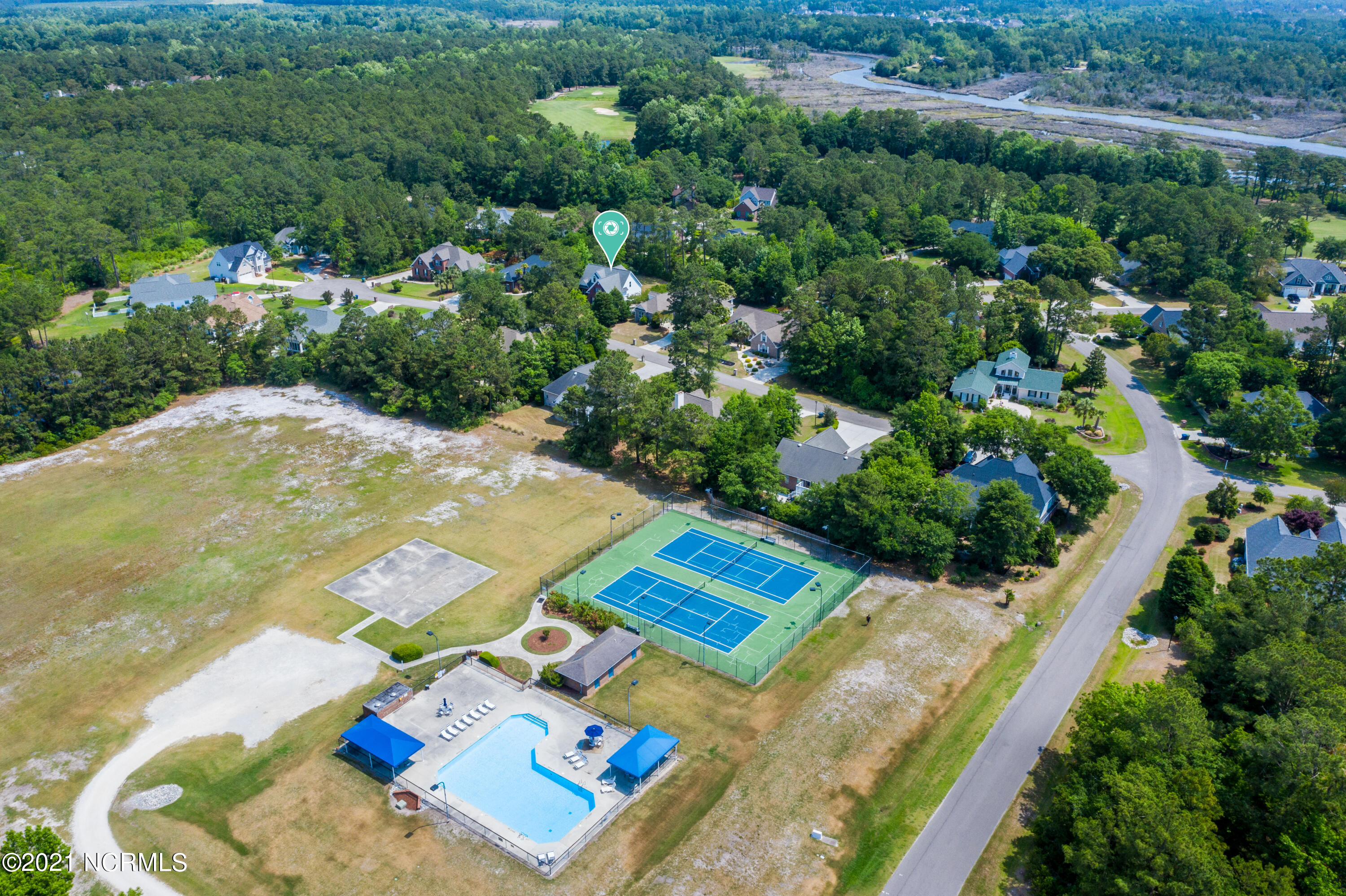 208 Port Side Drive, Sneads Ferry, North Carolina 28460, 3 Bedrooms Bedrooms, 7 Rooms Rooms,2 BathroomsBathrooms,Single family residence,For sale,Port Side,100275119