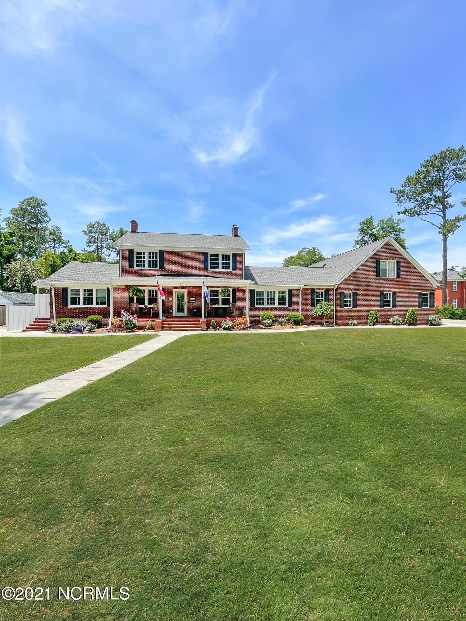 620 Colonial Drive, Wilmington, North Carolina 28403, ,Triplex,For sale,Colonial,100274302
