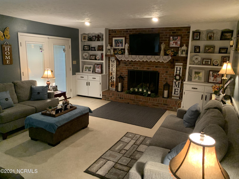 11340 Edinburgh Drive, Laurinburg, North Carolina 28352, 4 Bedrooms Bedrooms, 8 Rooms Rooms,2 BathroomsBathrooms,Single family residence,For sale,Edinburgh,100274608