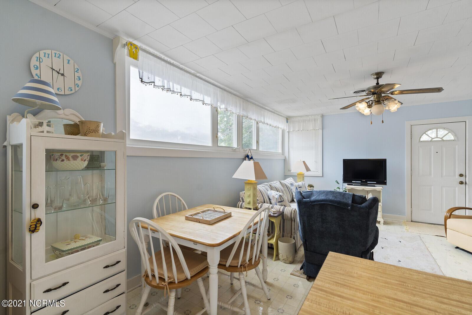 409 Barbee Boulevard, Oak Island, North Carolina 28465, 2 Bedrooms Bedrooms, 5 Rooms Rooms,1 BathroomBathrooms,Single family residence,For sale,Barbee,100274856