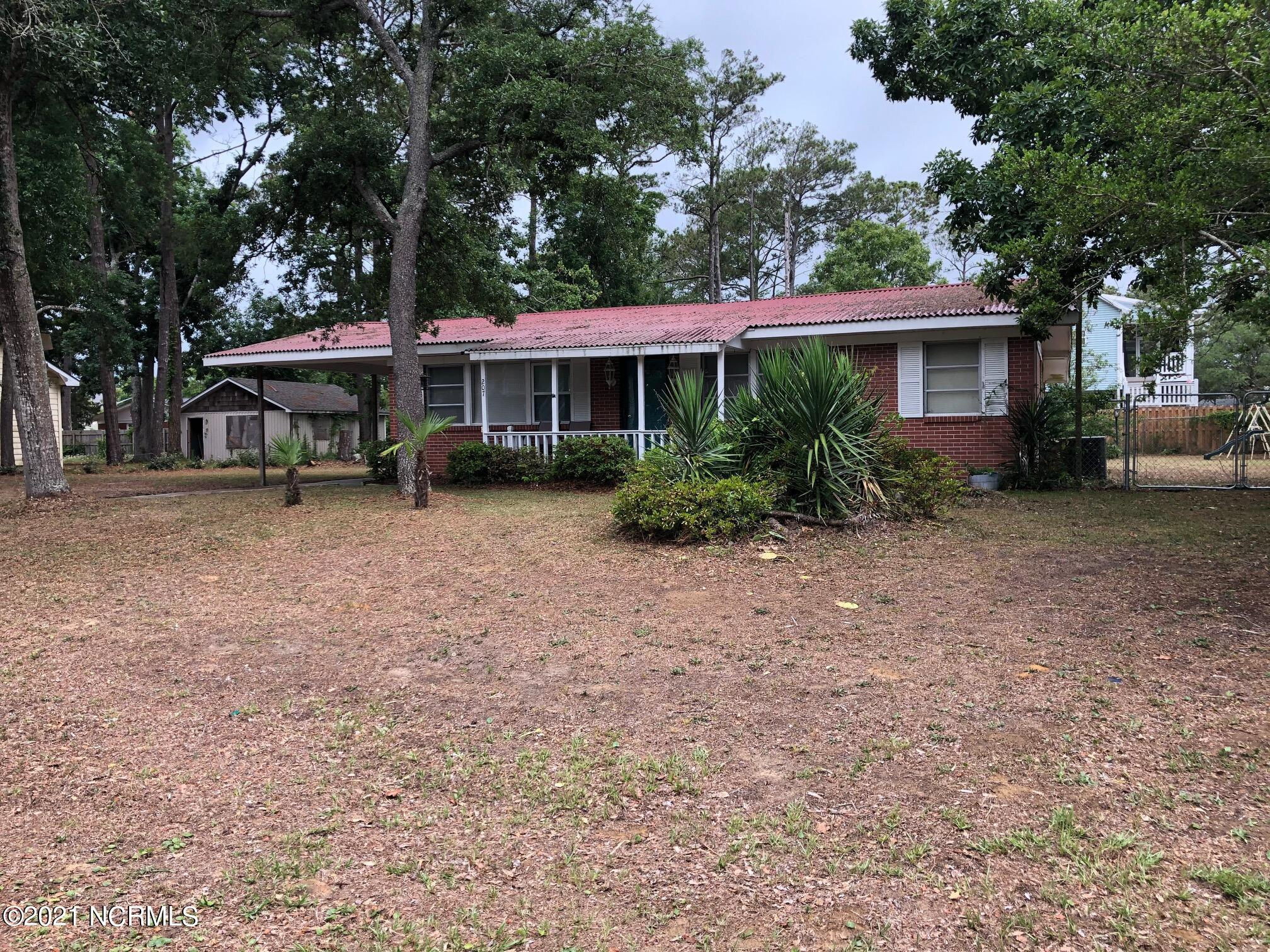 207 60th Street, Oak Island, North Carolina 28465, 3 Bedrooms Bedrooms, 6 Rooms Rooms,2 BathroomsBathrooms,Single family residence,For sale,60th,100274964