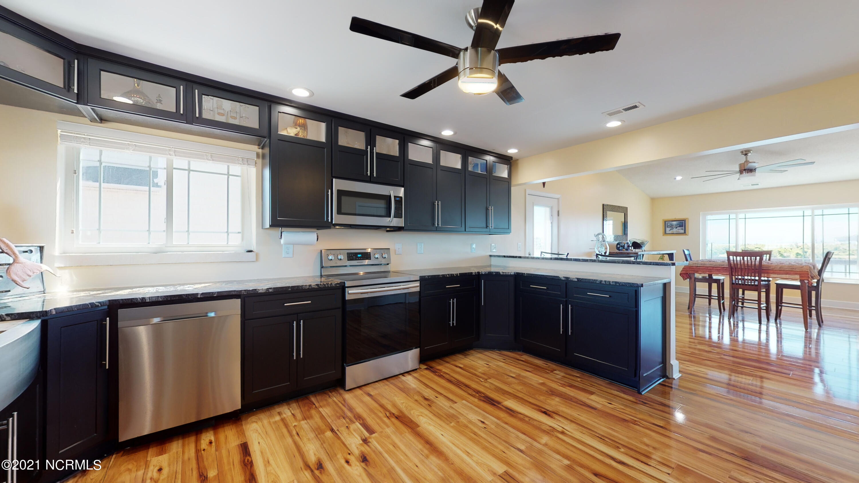 269 Grandview Drive, Sneads Ferry, North Carolina 28460, 4 Bedrooms Bedrooms, 6 Rooms Rooms,2 BathroomsBathrooms,Single family residence,For sale,Grandview,100275110