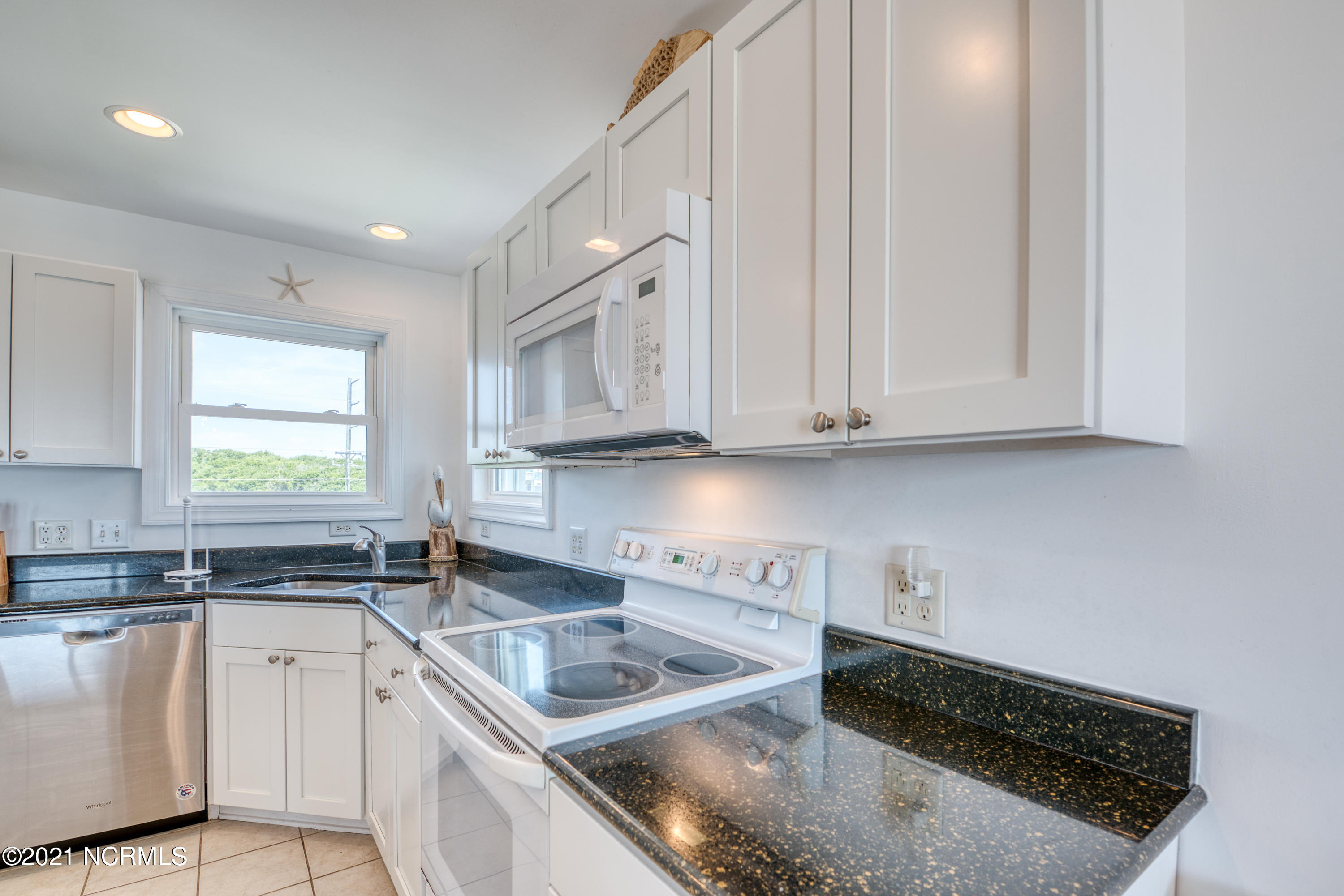 1226 Shore Drive, Surf City, North Carolina 28445, 4 Bedrooms Bedrooms, 6 Rooms Rooms,3 BathroomsBathrooms,Single family residence,For sale,Shore,100275579