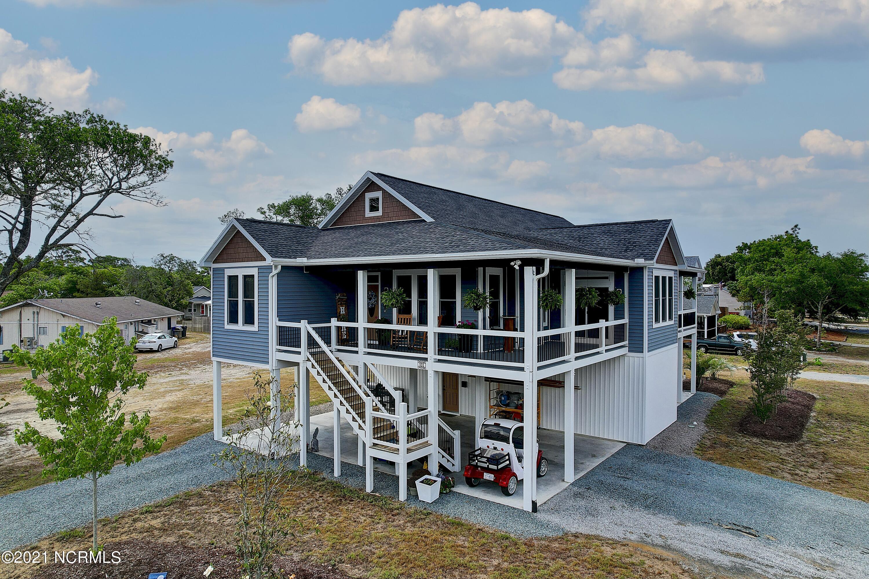 501 Yacht Drive, Oak Island, North Carolina 28465, 4 Bedrooms Bedrooms, 6 Rooms Rooms,3 BathroomsBathrooms,Single family residence,For sale,Yacht,100275788