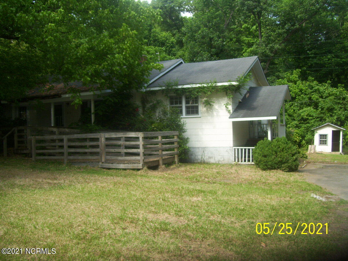 416 Us-13, Windsor, North Carolina 27983, 3 Bedrooms Bedrooms, 6 Rooms Rooms,2 BathroomsBathrooms,Single family residence,For sale,Us-13,100275685