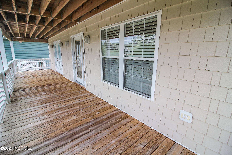 305 Mcglamery Street, Oak Island, North Carolina 28465, 4 Bedrooms Bedrooms, 9 Rooms Rooms,4 BathroomsBathrooms,Single family residence,For sale,Mcglamery,100275914
