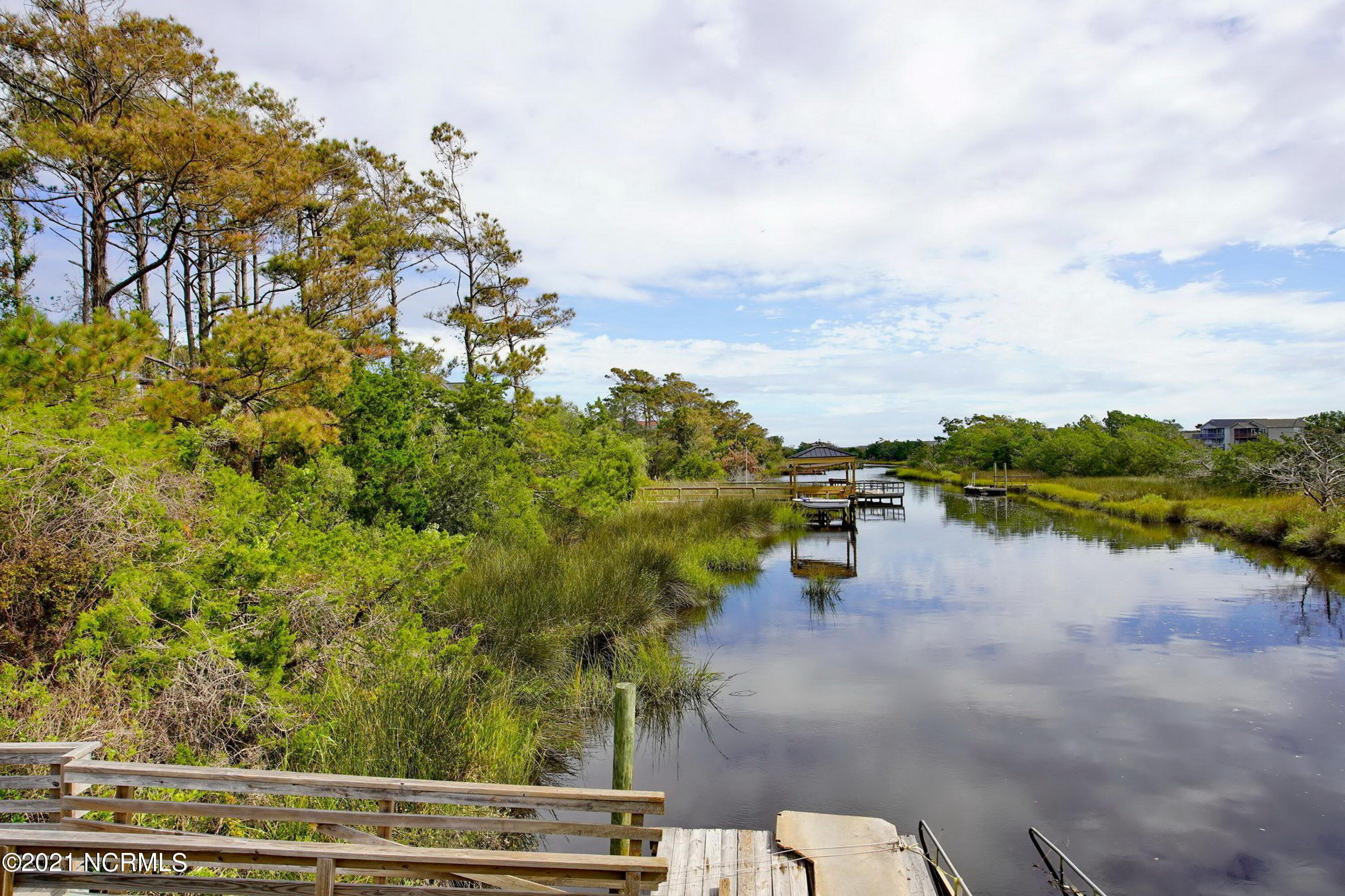 107 9th Street, Oak Island, North Carolina 28465, 4 Bedrooms Bedrooms, 7 Rooms Rooms,2 BathroomsBathrooms,Single family residence,For sale,9th,100275925