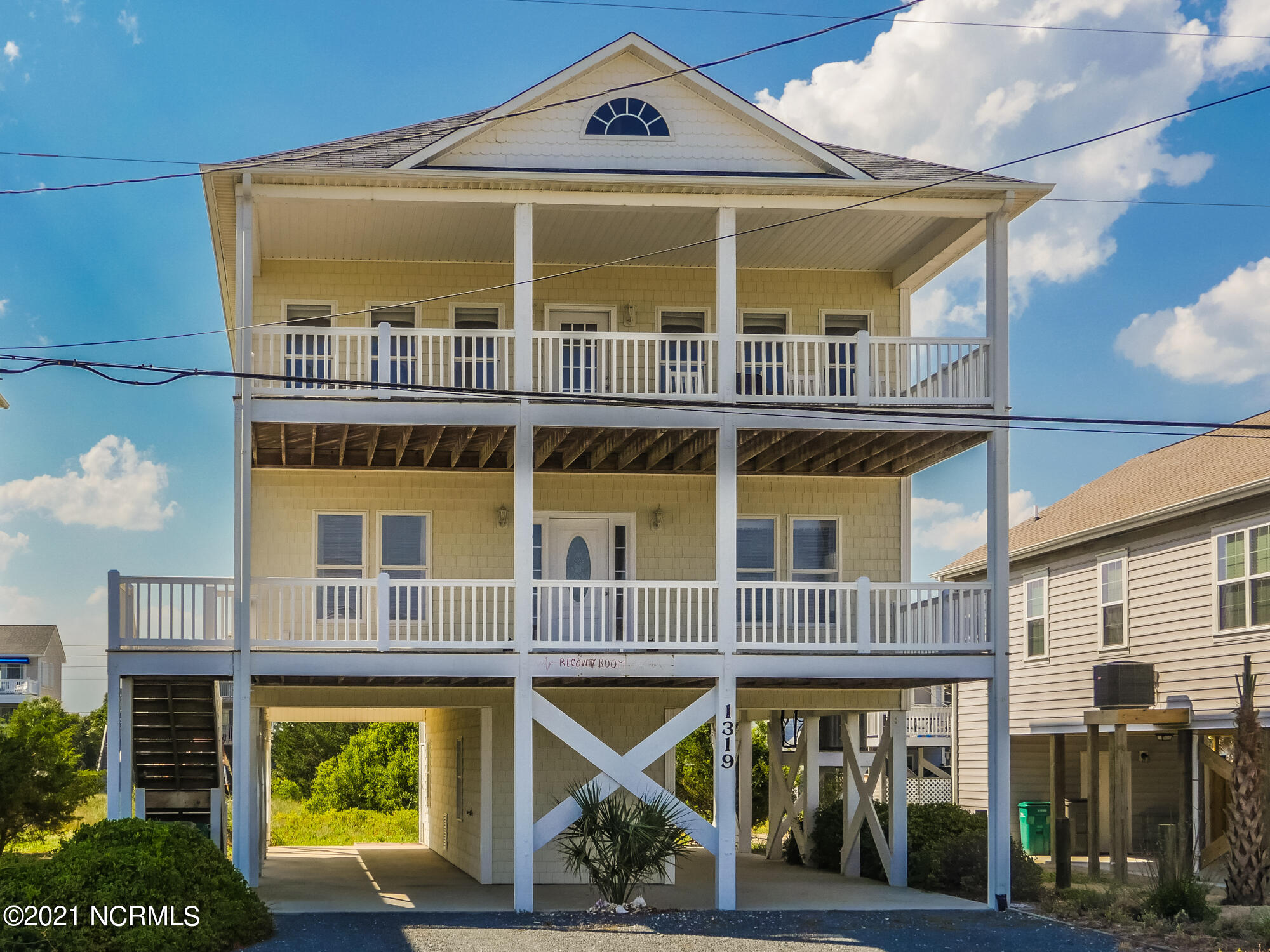 1319 Topsail Drive, Surf City, North Carolina 28445, 5 Bedrooms Bedrooms, 8 Rooms Rooms,3 BathroomsBathrooms,Single family residence,For sale,Topsail,100276542