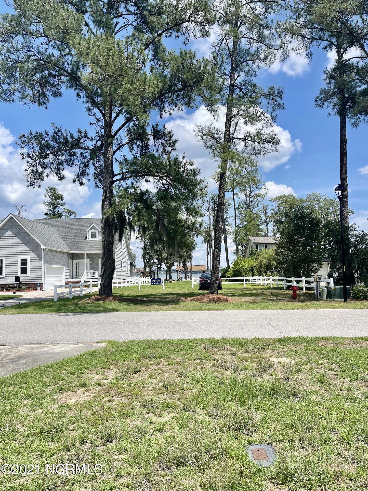 214 Turtle Cove Drive, Elizabethtown, North Carolina 28337, 3 Bedrooms Bedrooms, 5 Rooms Rooms,2 BathroomsBathrooms,Single family residence,For sale,Turtle Cove,100276674