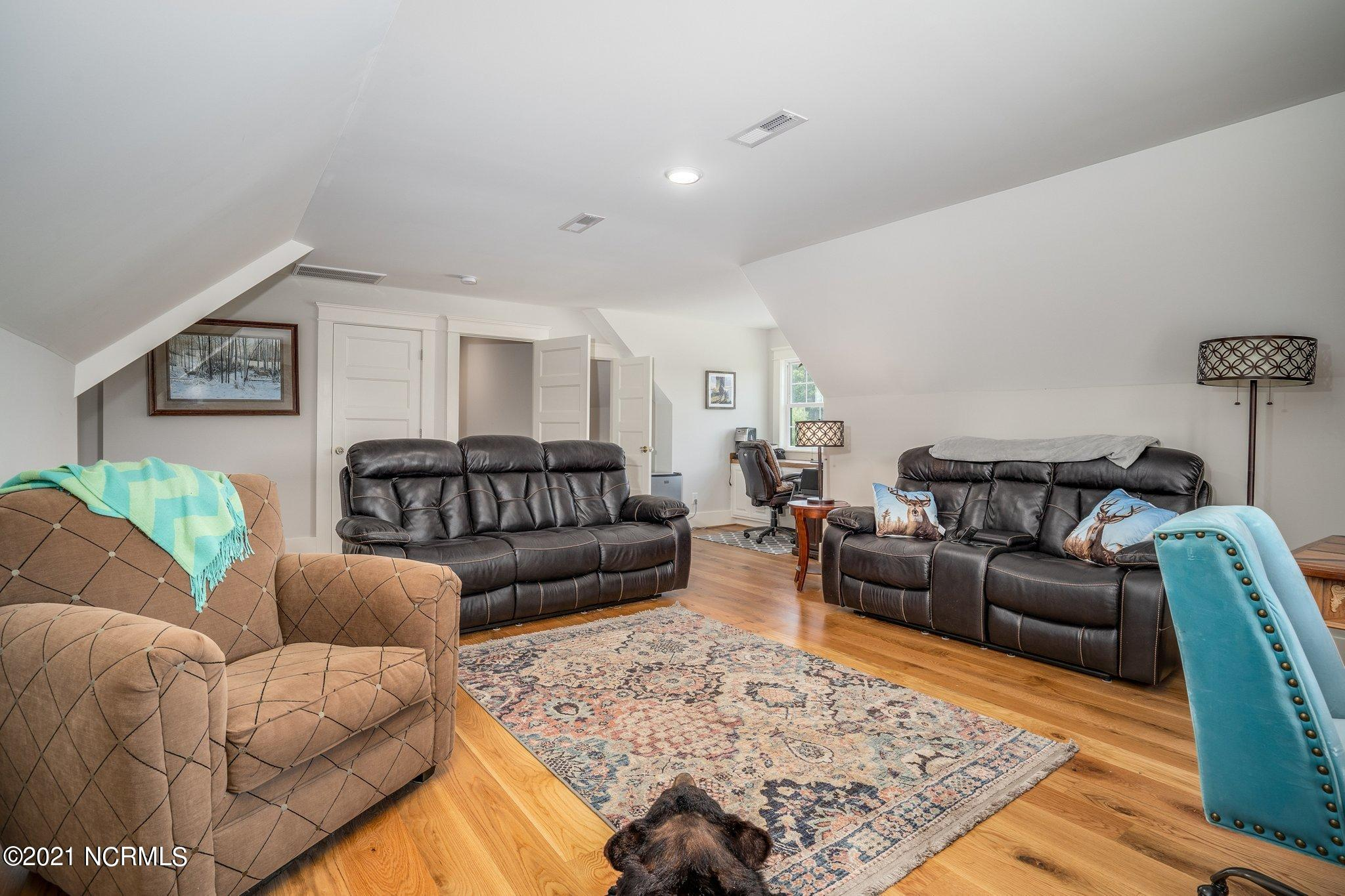 1575 Bend Of The River Road, Elm City, North Carolina 27822, 3 Bedrooms Bedrooms, 9 Rooms Rooms,3 BathroomsBathrooms,Single family residence,For sale,Bend Of The River,100276693