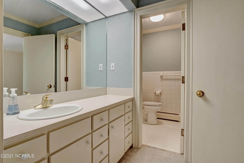 1726 Hawthorne Road, Wilmington, North Carolina 28403, 3 Bedrooms Bedrooms, 7 Rooms Rooms,2 BathroomsBathrooms,Single family residence,For sale,Hawthorne,100279363