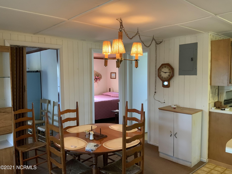 7604 Beach Drive, Oak Island, North Carolina 28465, 4 Bedrooms Bedrooms, 5 Rooms Rooms,2 BathroomsBathrooms,Single family residence,For sale,Beach,100277327