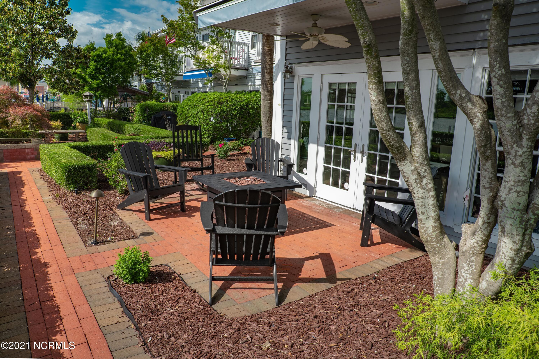 8 Nun Street, Wilmington, North Carolina 28401, 4 Bedrooms Bedrooms, 7 Rooms Rooms,3 BathroomsBathrooms,Townhouse,For sale,Nun,100275793