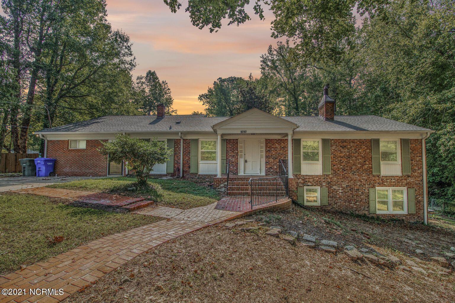 1717 Morningside Circle, Greenville, North Carolina 27858, 4 Bedrooms Bedrooms, 12 Rooms Rooms,4 BathroomsBathrooms,Single family residence,For sale,Morningside,100277285