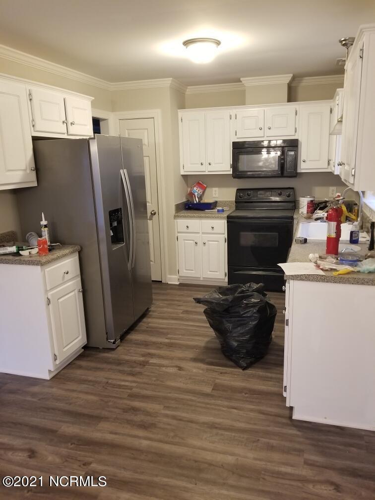 379 Johnson Lane, Winterville, North Carolina 28590, 3 Bedrooms Bedrooms, 8 Rooms Rooms,2 BathroomsBathrooms,Single family residence,For sale,Johnson,100277711