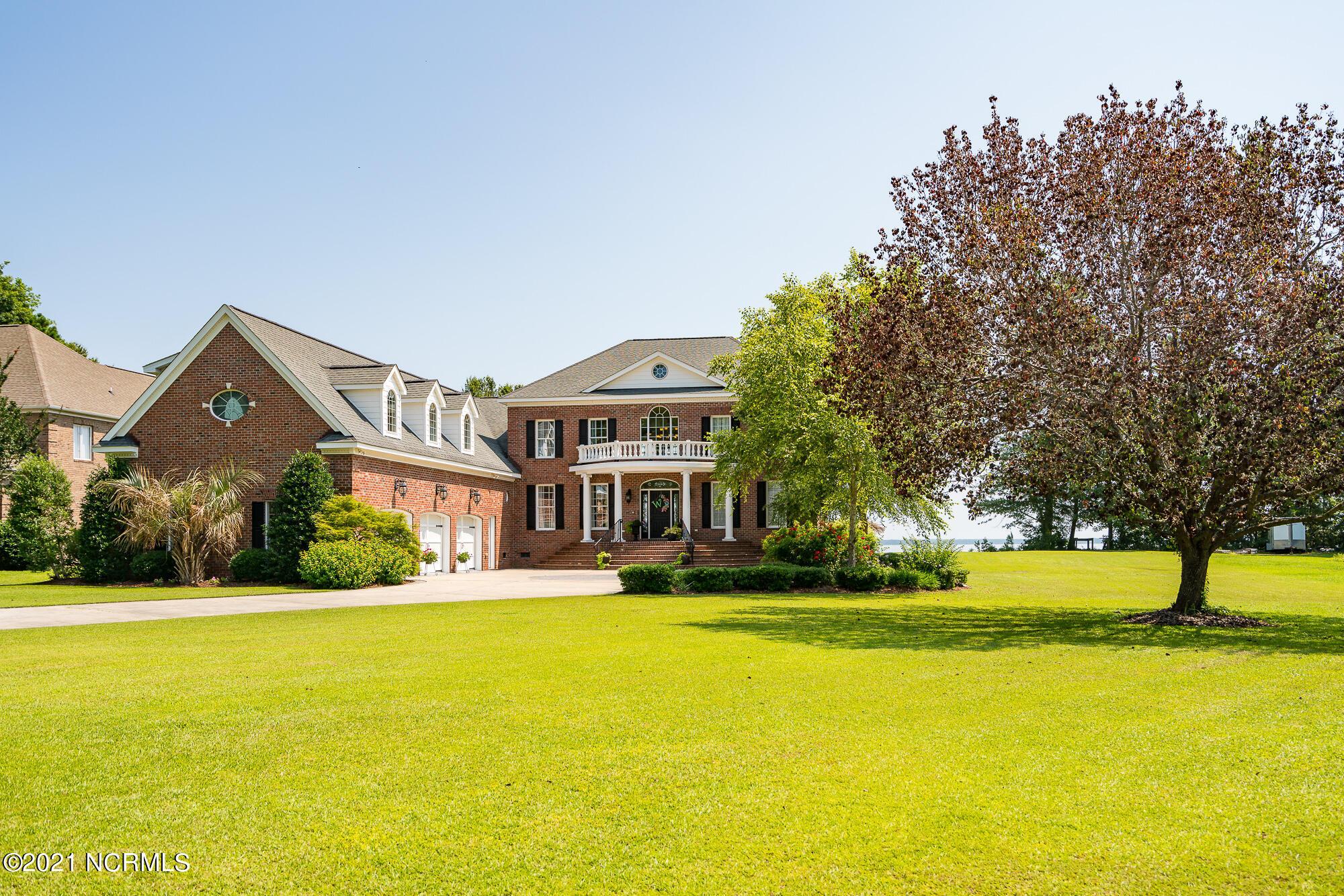 236 Drake Landing, New Bern, North Carolina 28560, 5 Bedrooms Bedrooms, 13 Rooms Rooms,4 BathroomsBathrooms,Single family residence,For sale,Drake,100278119