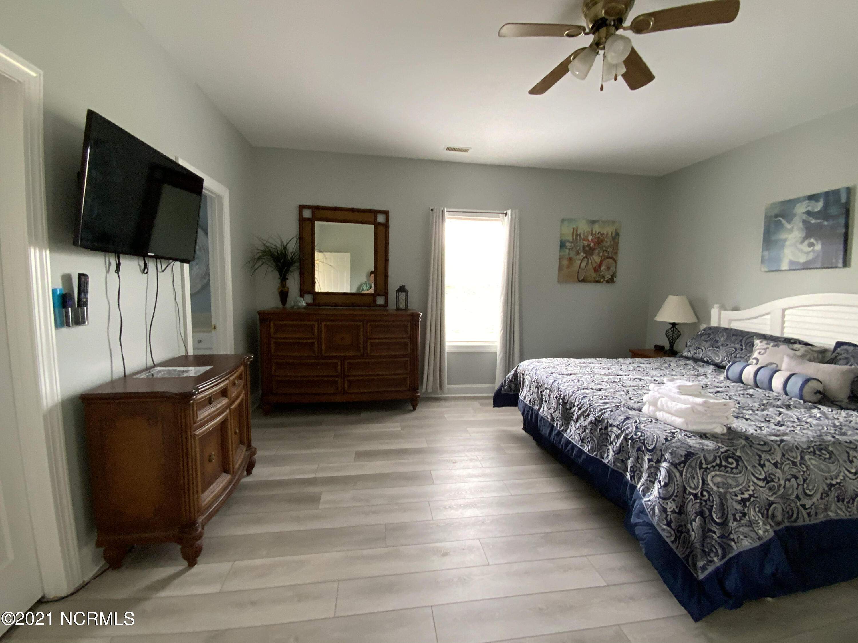 701 Salter Path Road, Salter Path, North Carolina 28512, 5 Bedrooms Bedrooms, 9 Rooms Rooms,5 BathroomsBathrooms,Single family residence,For sale,Salter Path,100278367