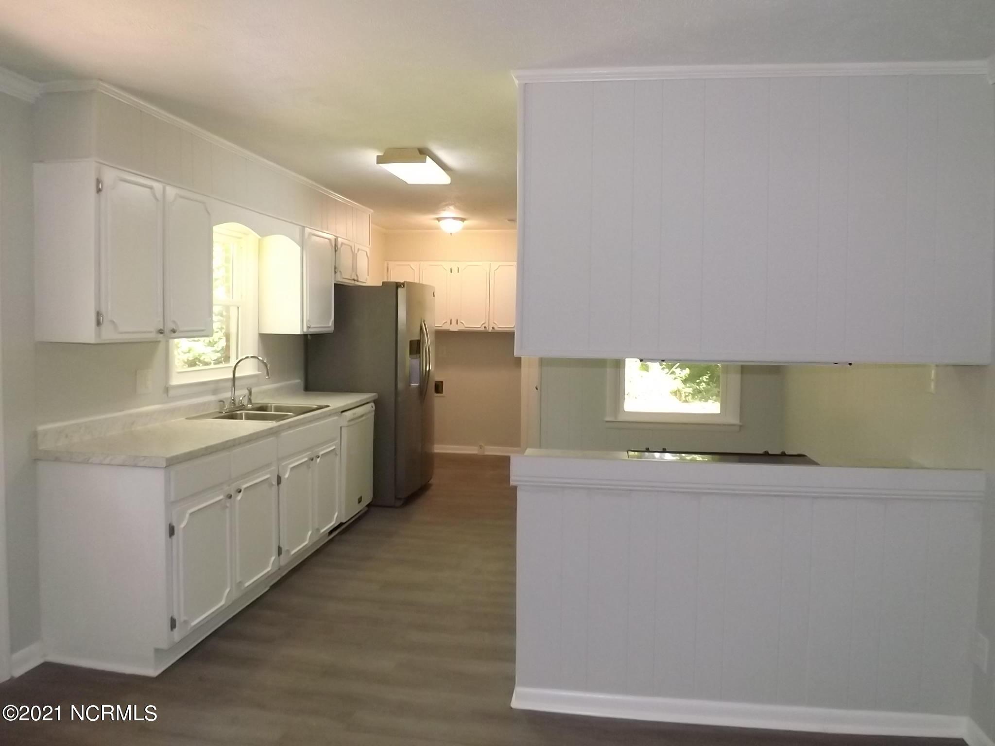12861 Debra Drive, Laurinburg, North Carolina 28352, 3 Bedrooms Bedrooms, 6 Rooms Rooms,2 BathroomsBathrooms,Single family residence,For sale,Debra,100278403