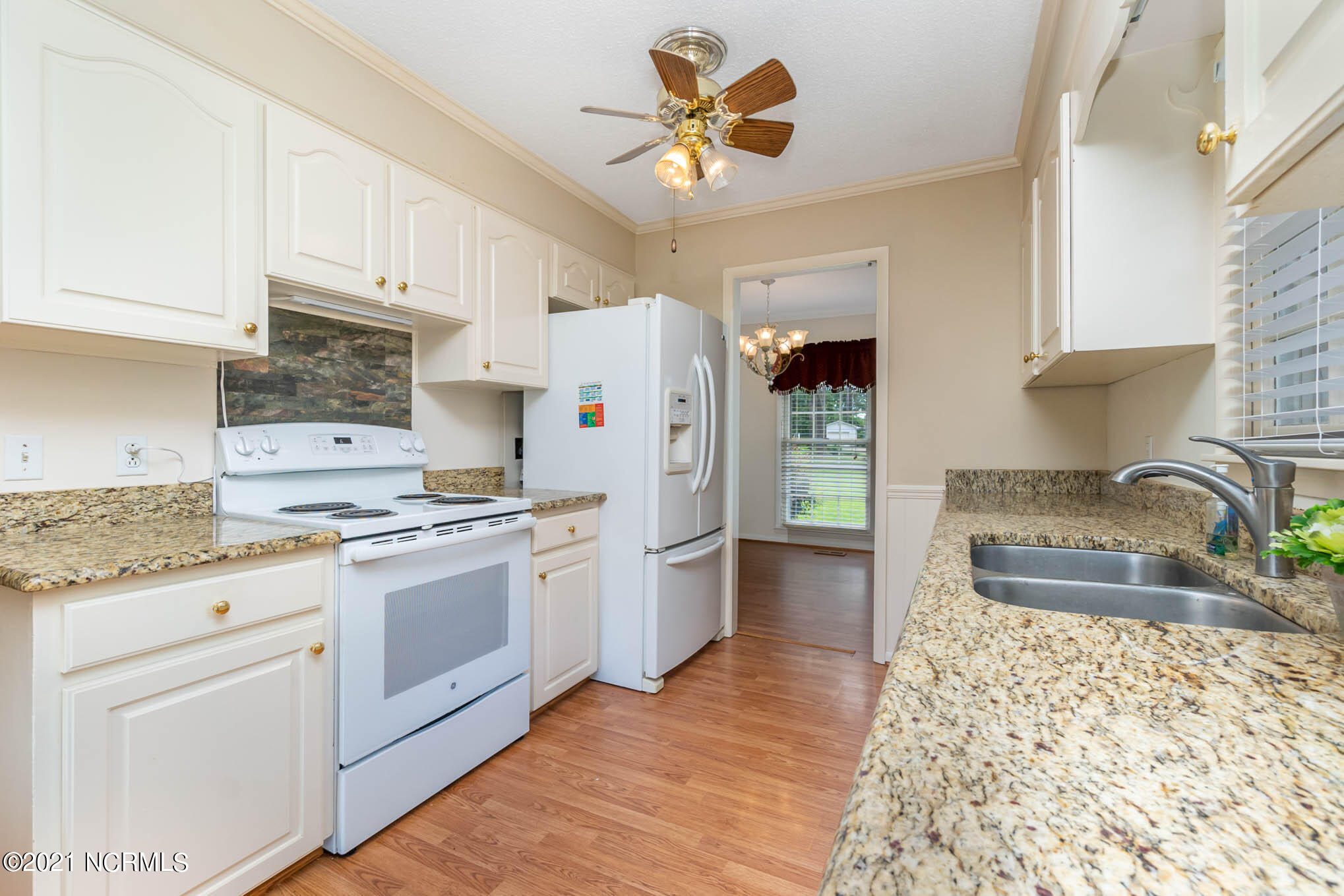 706 Walking Stick Trail, Clinton, North Carolina 28328, 3 Bedrooms Bedrooms, 7 Rooms Rooms,2 BathroomsBathrooms,Single family residence,For sale,Walking Stick,100277365